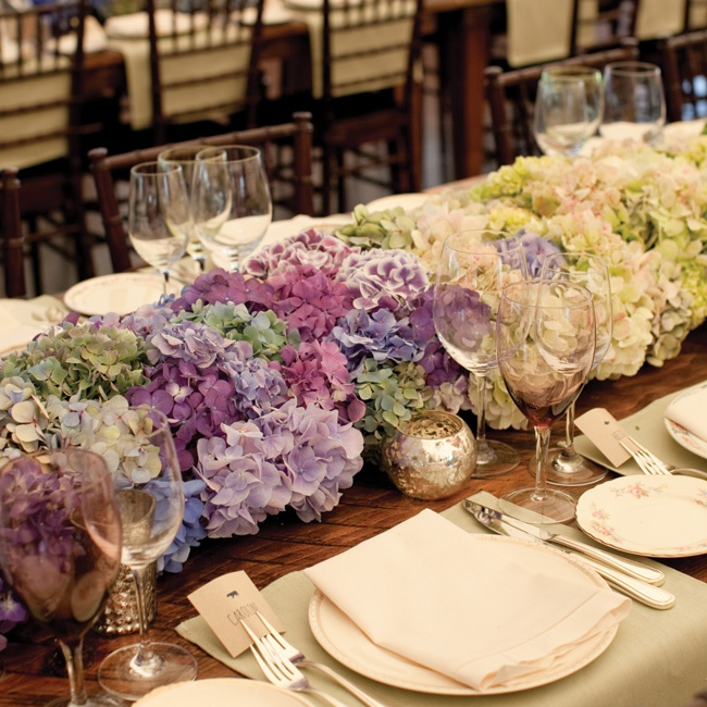In lieu of tablecloths, a lush