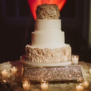"""I decided on the look of the cake because it was romantic and simple,"" Sandi recalls."