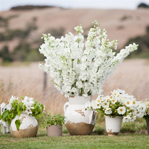 White Floral Ceremony Decor