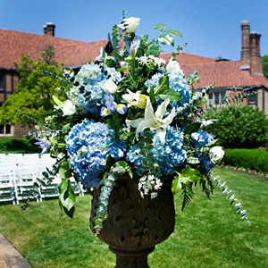 Blue Hydrangea Ceremony Decor