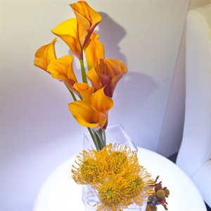Simple Calla Lily and Yellow Bloom Centerpieces