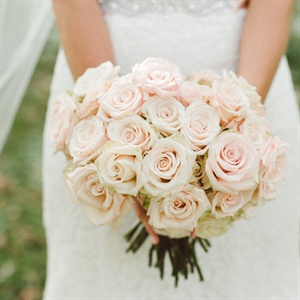 Andie describes her bouquet of blush Sahara roses as