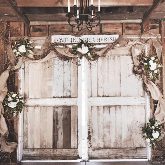 Rustic Barn Ceremony Decor