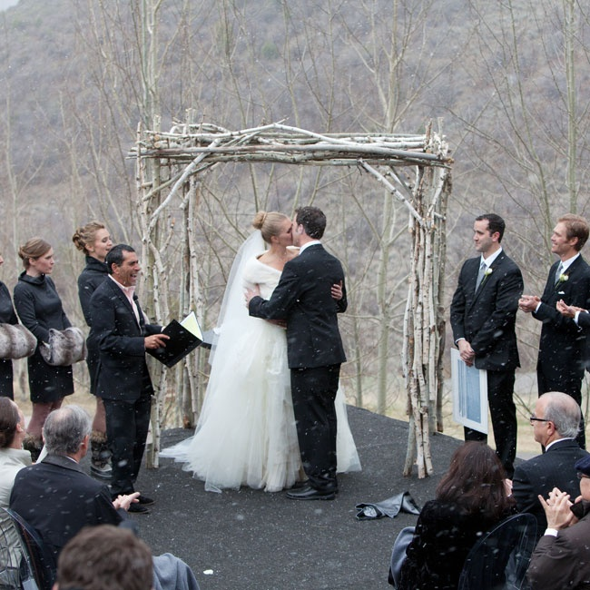 Winter Wedding Altar Ideas: 301 Moved Permanently
