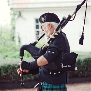 Wedding Day Bagpiper