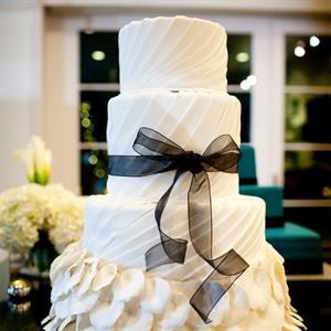 Gown-Inspired Wedding Cake