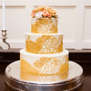 Detailed Vintage Style Wedding Cake