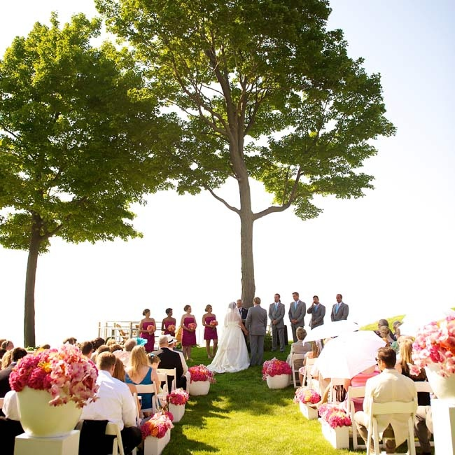 Beach Wedding Ceremony Michigan: A Traditional, Modern Twist Wedding In Holland, MI