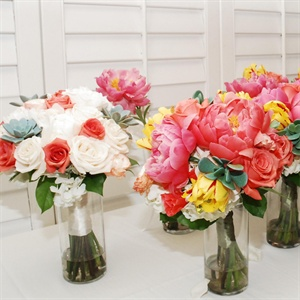 Bridal and Bridesmaid Bouquets Display