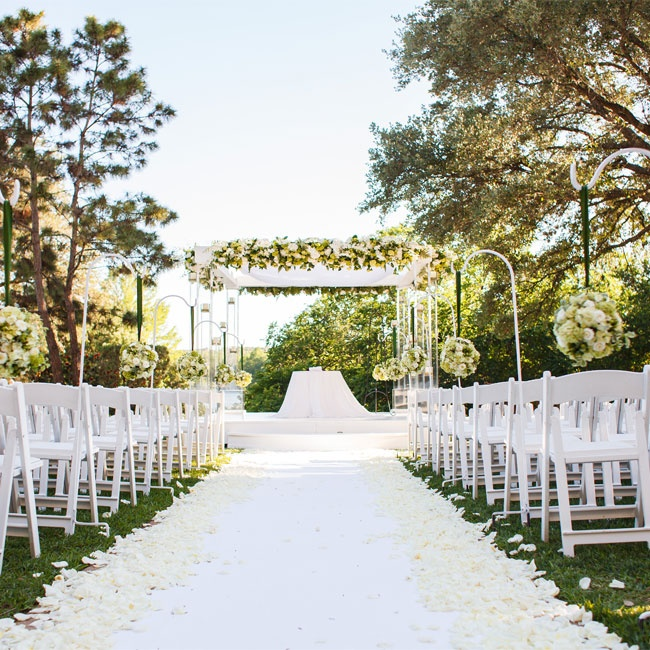 An Outdoor, Jewish Wedding in Austin, TX