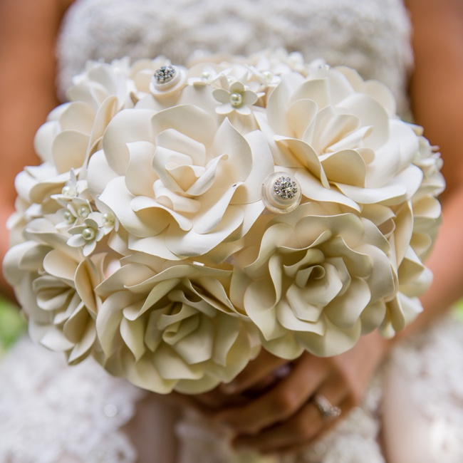 The bride carried a bridal bouquet made of paper!