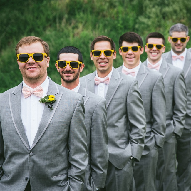 The groomsmen wore gray suits with seersucker bow ties.