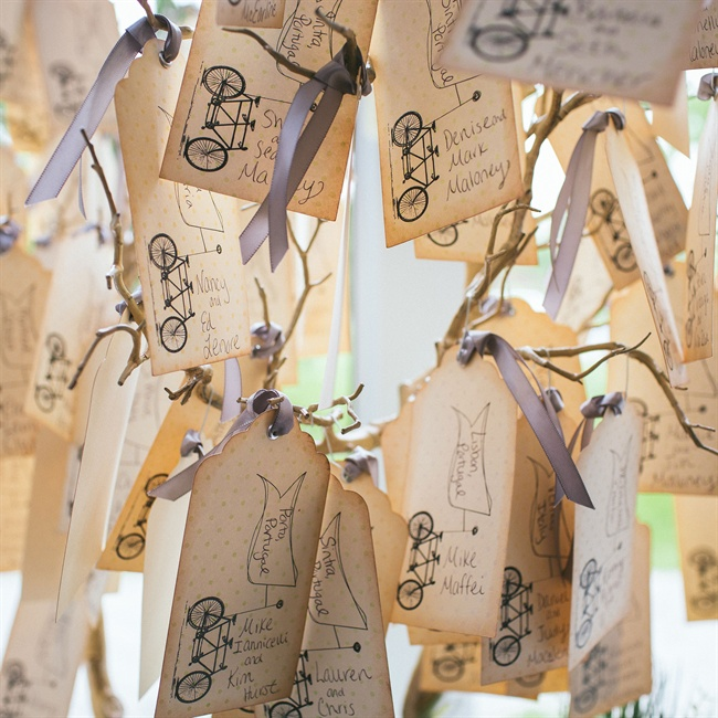 Vintage-style escort cards featured a bicycle motif.