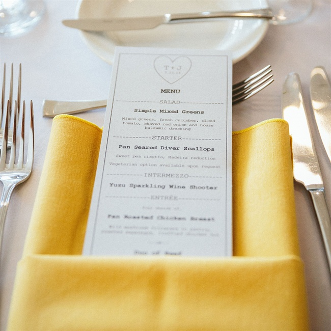 This simple menu card was used in the yellow-themed place setting arrangement.