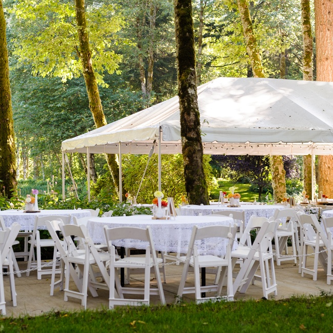 Following the ceremony, the newlyweds and their guests headed over to the reception, which they held in an intimate space tucked away into the forest surrounding the lake.