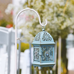 Aisle Lantern Decor