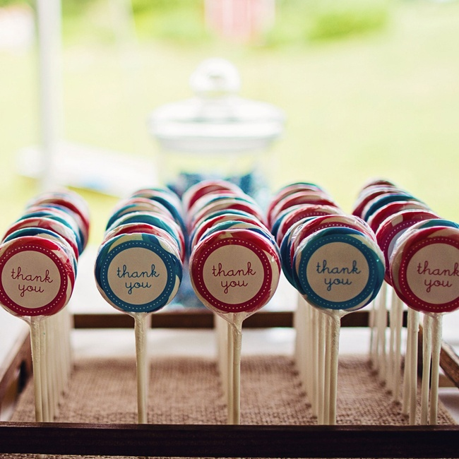 Danielle and Bryan treated guests to adorable red and blue swirl lollipops.