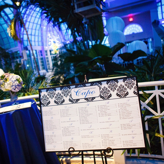 The black damask pattern was carried through to the reception and incorporated into the seating assignment display.
