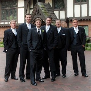 Traditional Groomsmen Formalwear