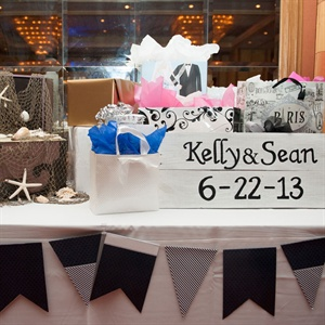 Seaside Gift Table