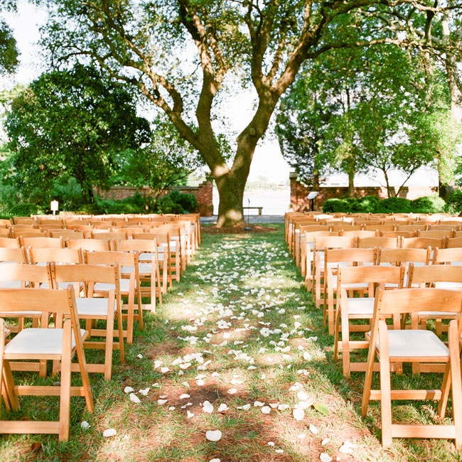The couple avoided overpowering the garden's natural beauty by selecting modest decor for their outdoor ceremony.
