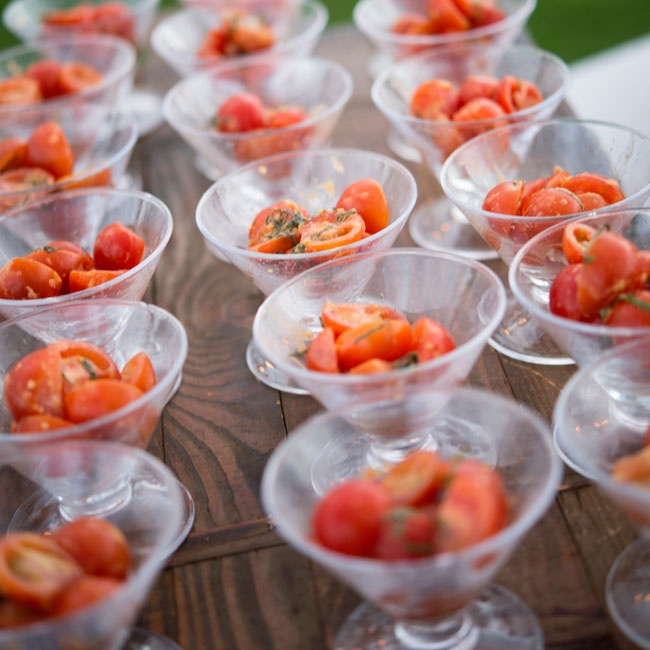 Guests were served pesto tomato appetizers during cocktail hour.