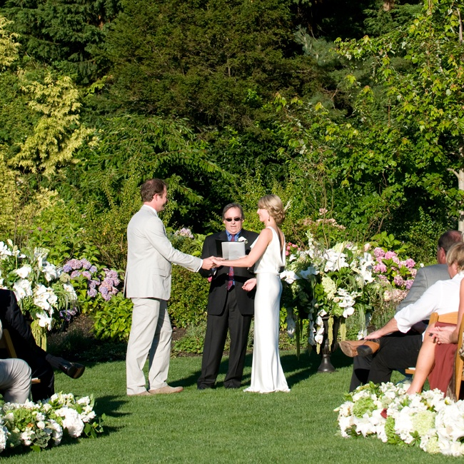 The wedding ceremony took place at Milles Fleurs, a private, waterfront residence in Sydney, BC.