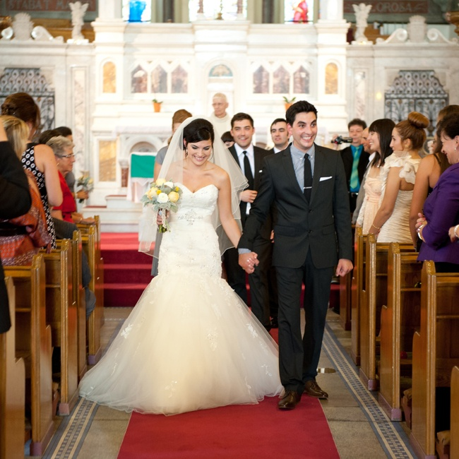 Lindsay and Steven exchanged vows at St. Anthony of Padua Church in Ottawa, ON.