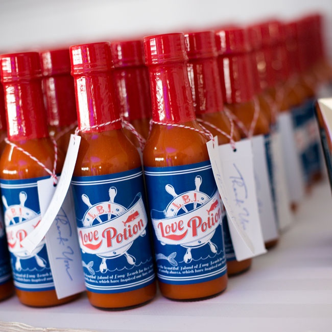 With a nod to the couple's career in the hot sauce industry, Lindsay and Graham gifted guests with spicy favors.