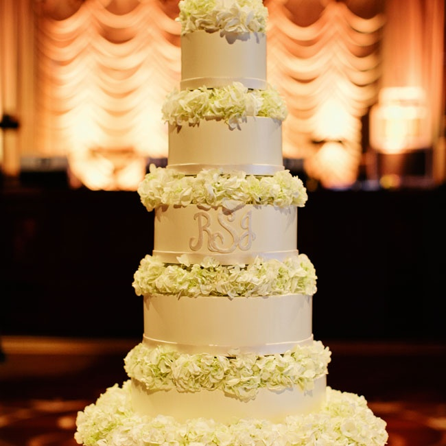 Each tier of Ronda and Jeff's fondant cake was separated by small bunches of white hydrangeas.