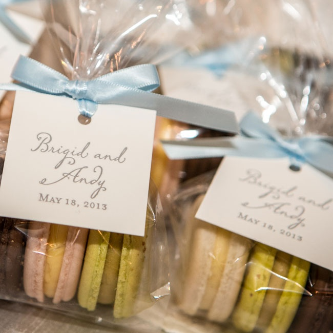 The couple thanked guests with delicate treats from their favorite macaron shop.