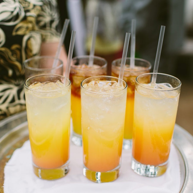 Guests sipped on refreshing island drinks during the cocktail hour resembling the setting Hawaiian sun.
