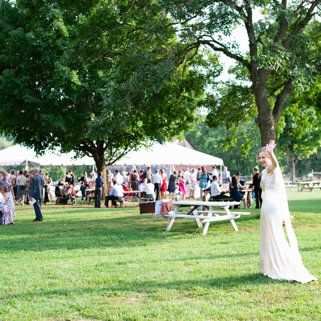 The couple hosted their afternoon soiree outdoors at the Cumberland Heritage Village Museum in Ottawa.