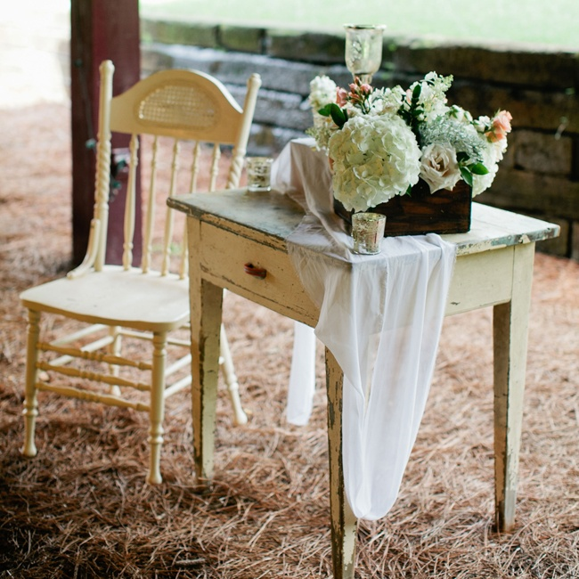 Vintage props were incorporated into the reception decor to create a romantic ambiance.