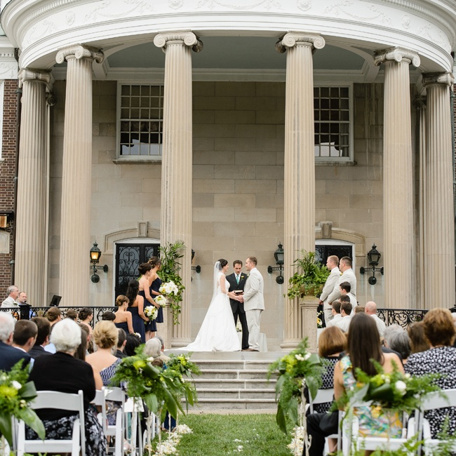 The Couple 39 S Ceremony Took Place Under The Grand Portico Of Spindletop