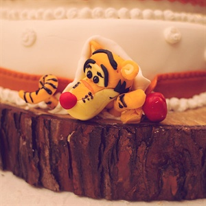 Tigger Cake Decoration