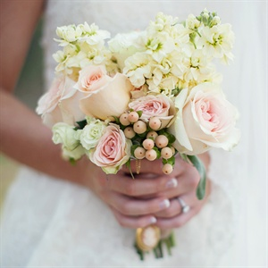 Simple Ivory and Blush Bouquet