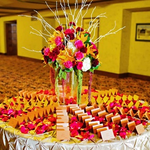 Bright Modern Escort Card Display