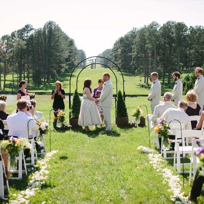 Outdoor Wedding Ceremony Omaha Ne: A Quaint, Outdoor Wedding In Lincoln, NE