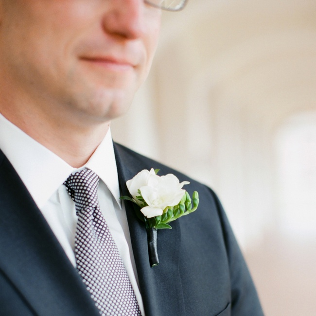 Mike had a classic white rose boutonniere.