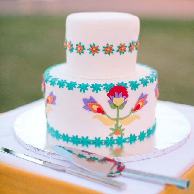 The couple chose to incorporate this Mexican-inspired cake to go with the rest of their Southwest design.