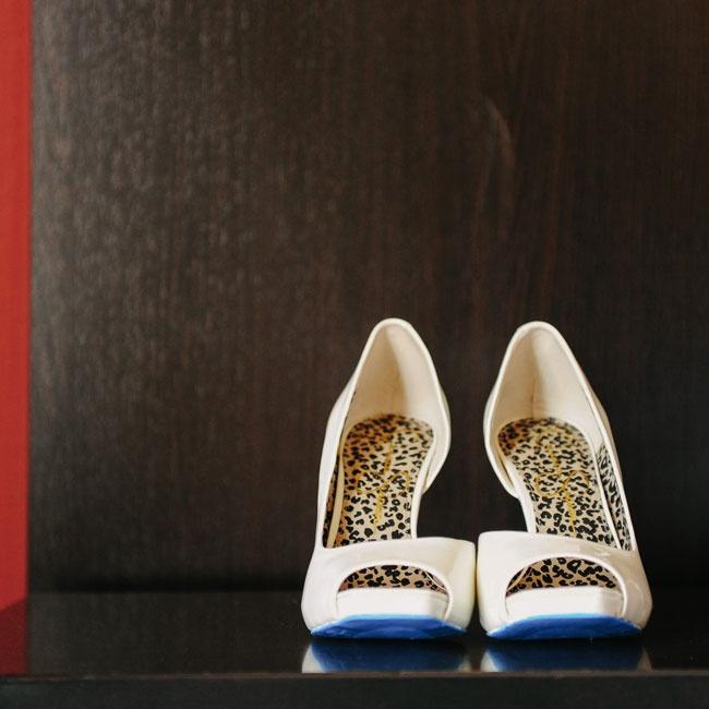 Jamie wore these unique, ivory Jessica Simpson peep-toe heels down the aisle.