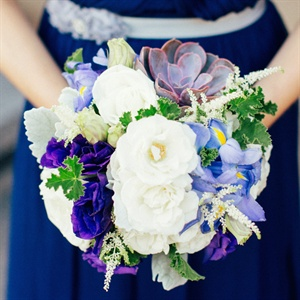 White and Purple Bridesmaids Bouquets