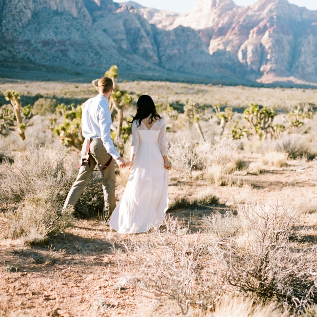 The landscape of Calico Basin in the Red Rock Canyon National Conservation Area provided a stunning backdrop for the couple's photos.