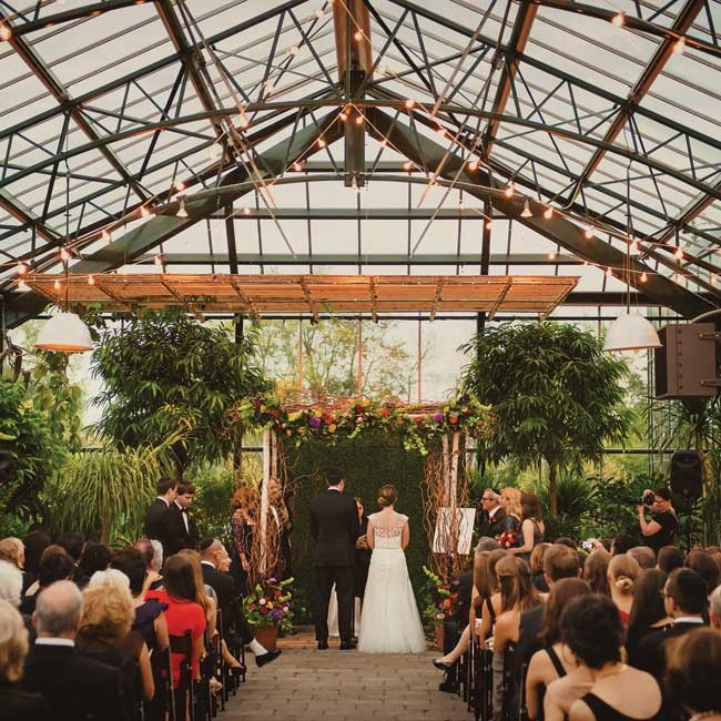 The couple wanted a non-traditional venue space for their wedding. Planterra was the perfect location for the couple, who loved both the idea of the unique, organic space with its lush gardens, dramatic glass ceiling and it's outdoor vibe.