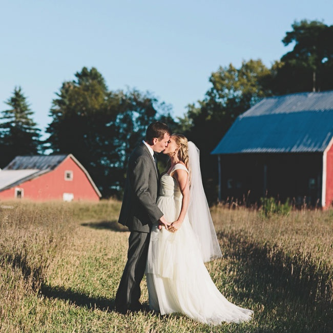 Red barns and tall grasses created a rustic, country vibe for Katie and Jon's photos.
