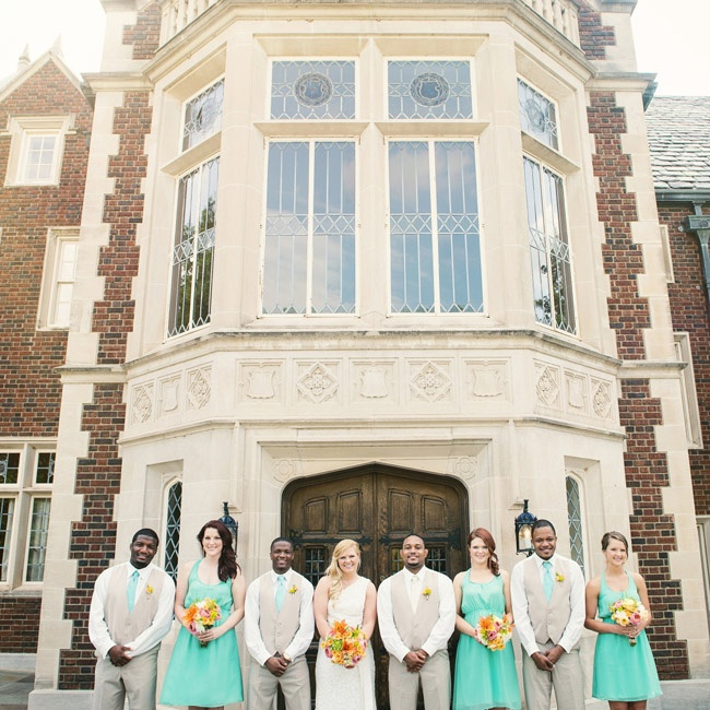 The bridesmaids wore casual dresses in a bright teal, while the guys wore neutral colored suits with teal ties to match.