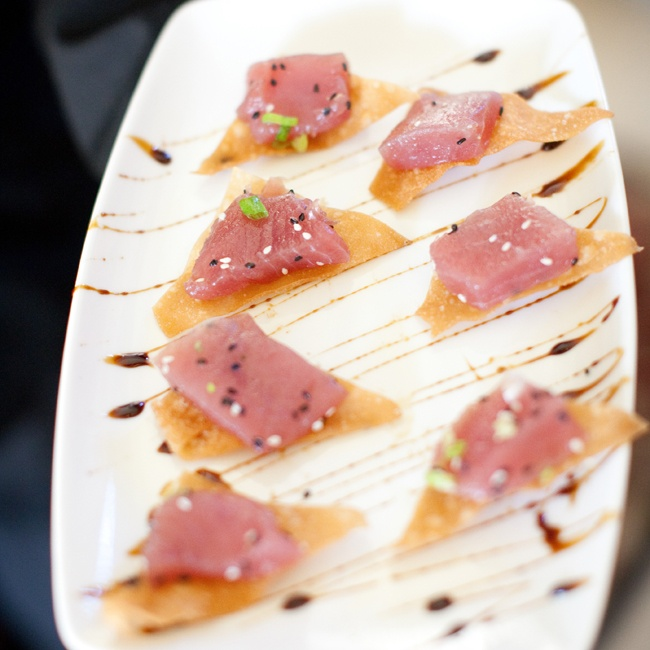 Susan and Jason served an array of delicious nibbles during cocktail hour, including sesame encrusted tuna.