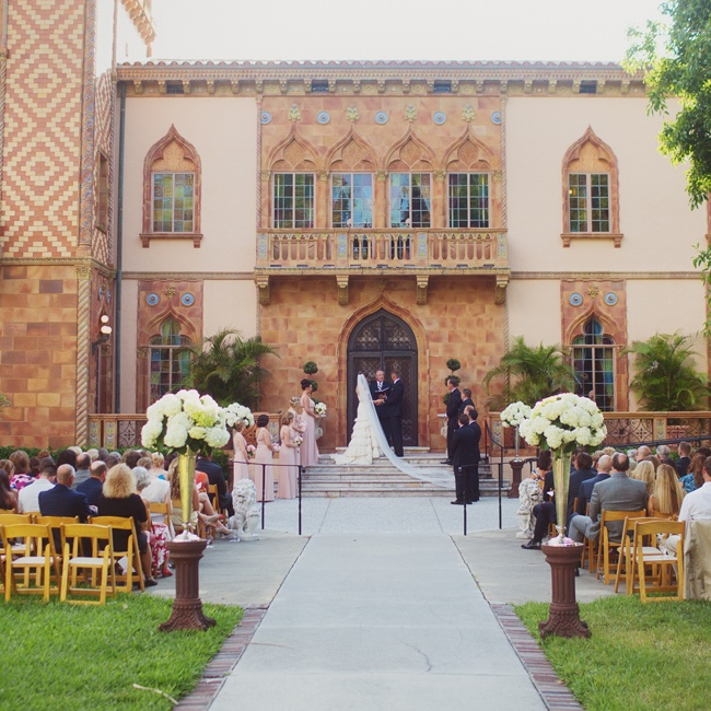 The couple married on the steps of the Ringling Art Museum in Sarasota, Florida.
