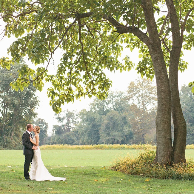 The couple took their first look photos on the stunning grounds of Buena Vista, underneath the shade of a large tree.